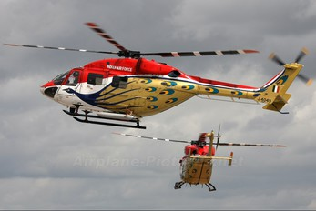 J4049 - India - Air Force: Sarang Display Team Hindustan Dhruv