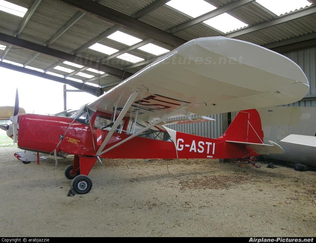 Private G-ASTI aircraft at Enstone