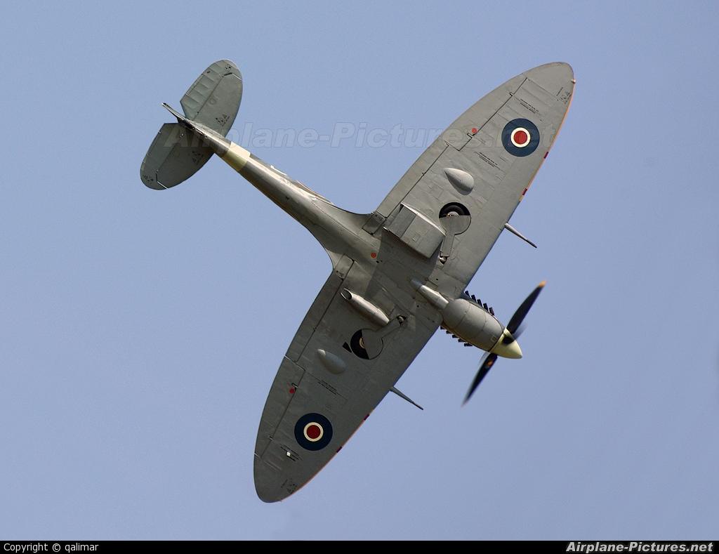 "Royal Air Force ""Battle of Britain Memorial Flight&quot AB910 aircraft at Berlin - Schönefeld"