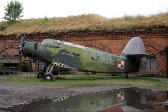 5932 - Museum of Polish Army Antonov An-2