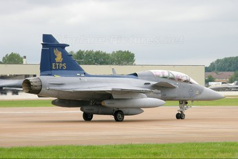 39802 - Sweden - Air Force SAAB JAS 39B Gripen