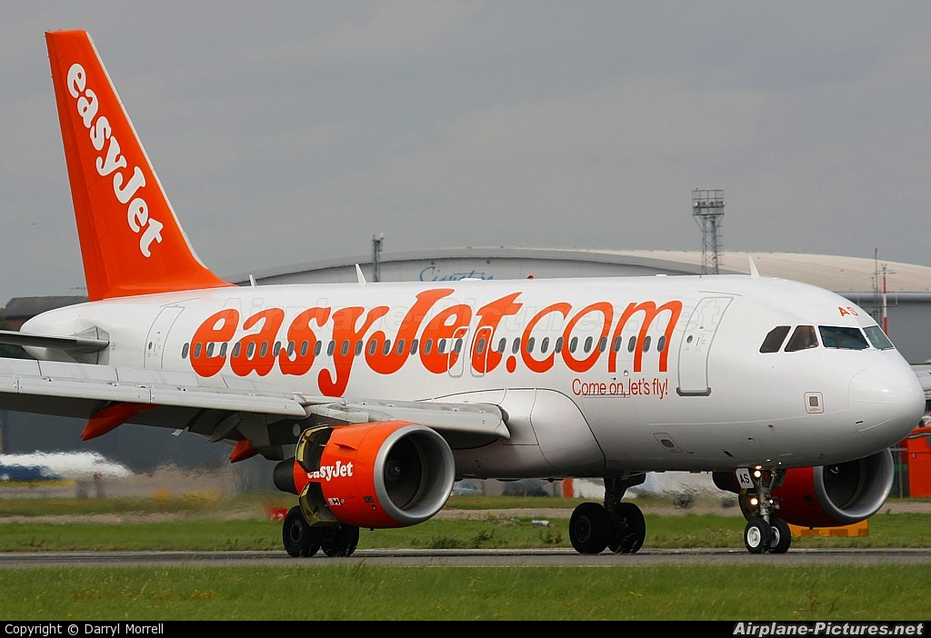 easyjet a319 - photo #36