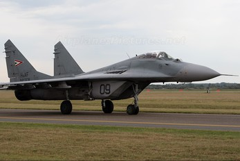 09 - Hungary - Air Force Mikoyan-Gurevich MiG-29B