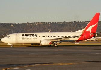 VH-VXN - QANTAS Boeing 737-800