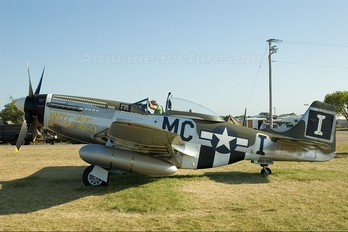 NL74190 - Private North American P-51D Mustang