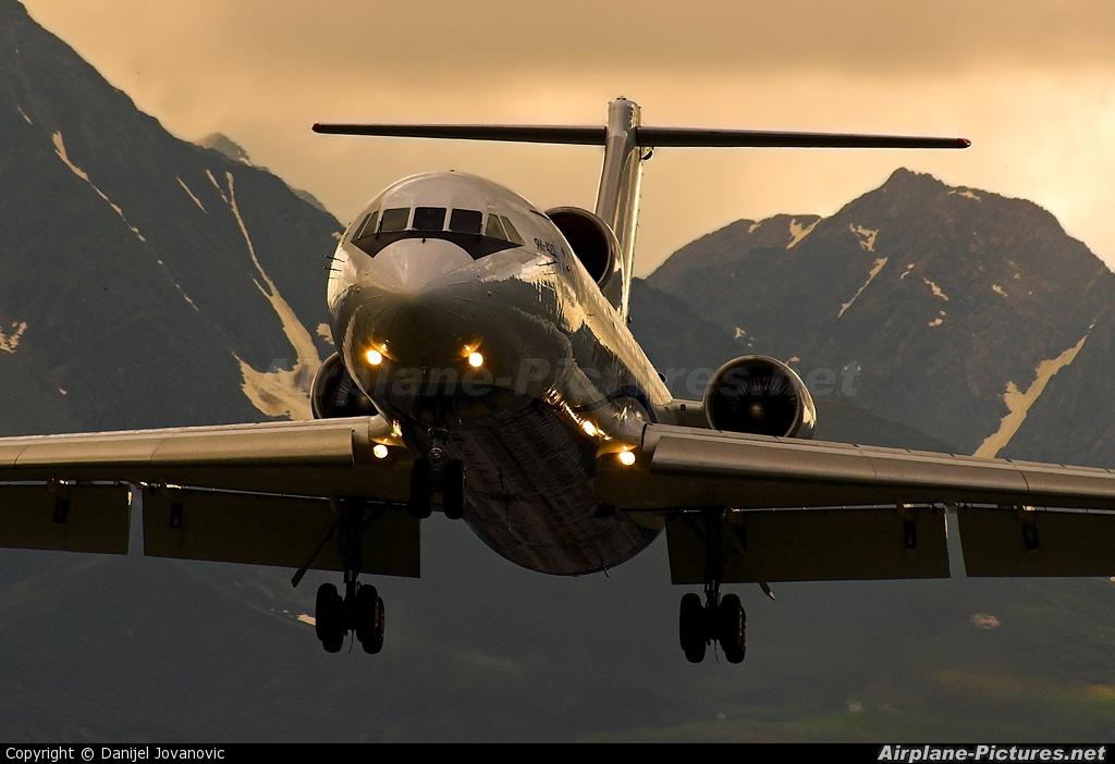 Centre - Avia RA-42423 aircraft at Innsbruck