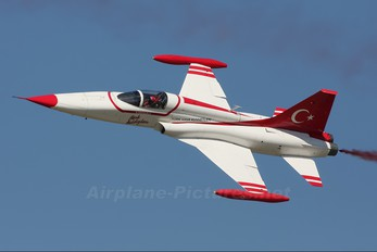 70-3015 - Turkey - Air Force : Turkish Stars Canadair NF-5A