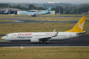 TC-API - Pegasus Boeing 737-800