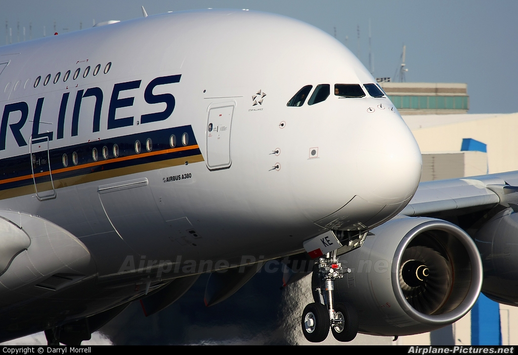 Singapore Airlines 9V-SKE aircraft at London - Heathrow