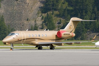N390DB - Private Bombardier BD-100 Challenger 300 series