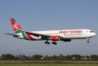 5Y-KQY - Kenya Airways Boeing 767-300