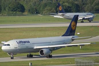 D-AIAT - Lufthansa Airbus A300