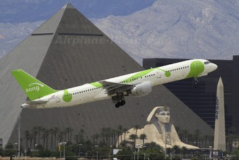 N698DL - Song Airlines Boeing 757-200
