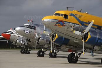ES-AKE - Private Douglas DC-3