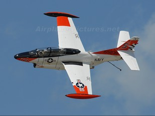 N27WS - Private North American T-2B Buckeye