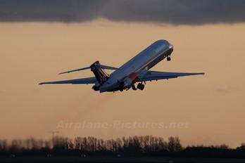 - - SAS - Scandinavian Airlines McDonnell Douglas MD-87