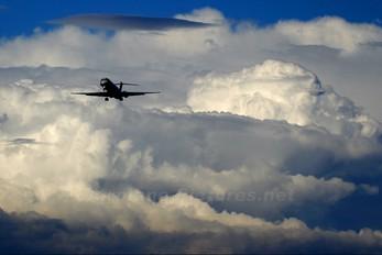 - - SAS - Scandinavian Airlines McDonnell Douglas MD-81