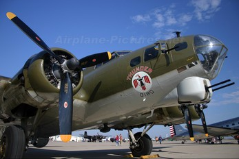 N900RW - Texas Aviation Hall of fame Boeing B-17G Flying Fortress