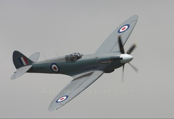 "PS915 - Royal Air Force ""Battle of Britain Memorial Flight&quot Supermarine Spitfire PR.XIX"