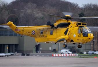ZE369 - Royal Air Force Westland Sea King HAR.3