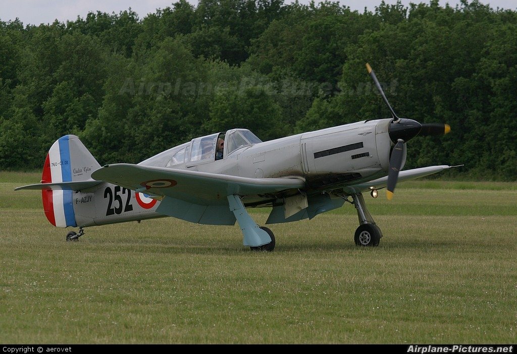 Private F-AZJY aircraft at La Ferté-Alais