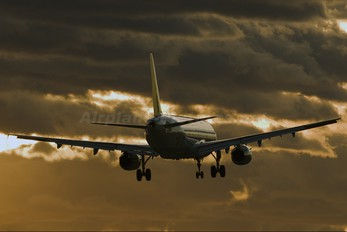 D-AIRS - Lufthansa Airbus A321