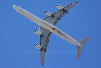 ZS-SNC - South African Airways Airbus A340-600