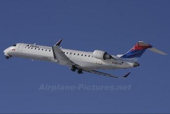 N716EV - Delta Connection - ASA Canadair CL-600 CRJ-200