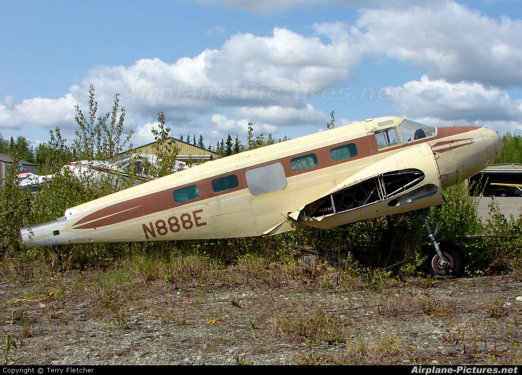 Private N888E aircraft at Big Lake