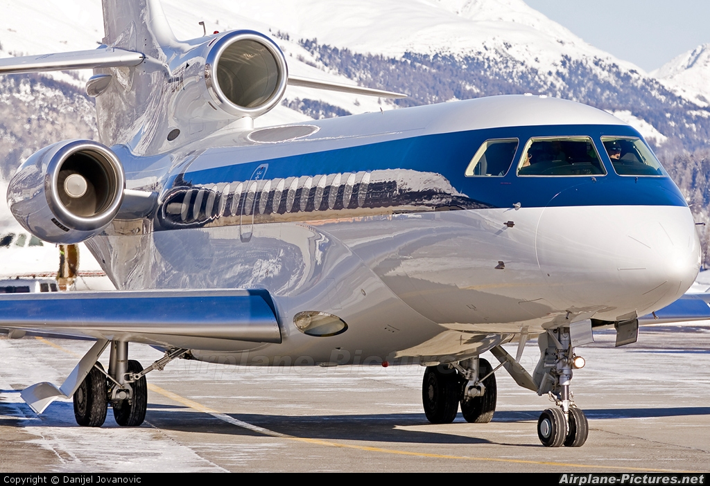 NetJets Europe (Portugal) CS-DSA aircraft at Samedan - Engadin