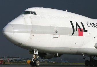 JA811J - JAL - Cargo Boeing 747-200F