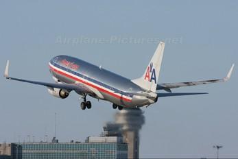 N960AN - American Airlines Boeing 737-800