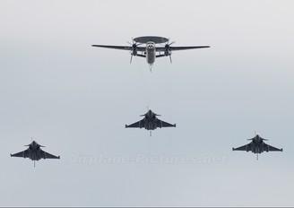 - - France - Navy Grumman E-2C Hawkeye