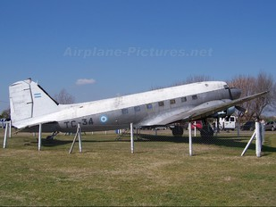 TC-34 - Argentina - Air Force Douglas C-47A Skytrain