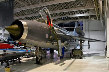 XS925 - Royal Air Force English Electric Lightning F.6