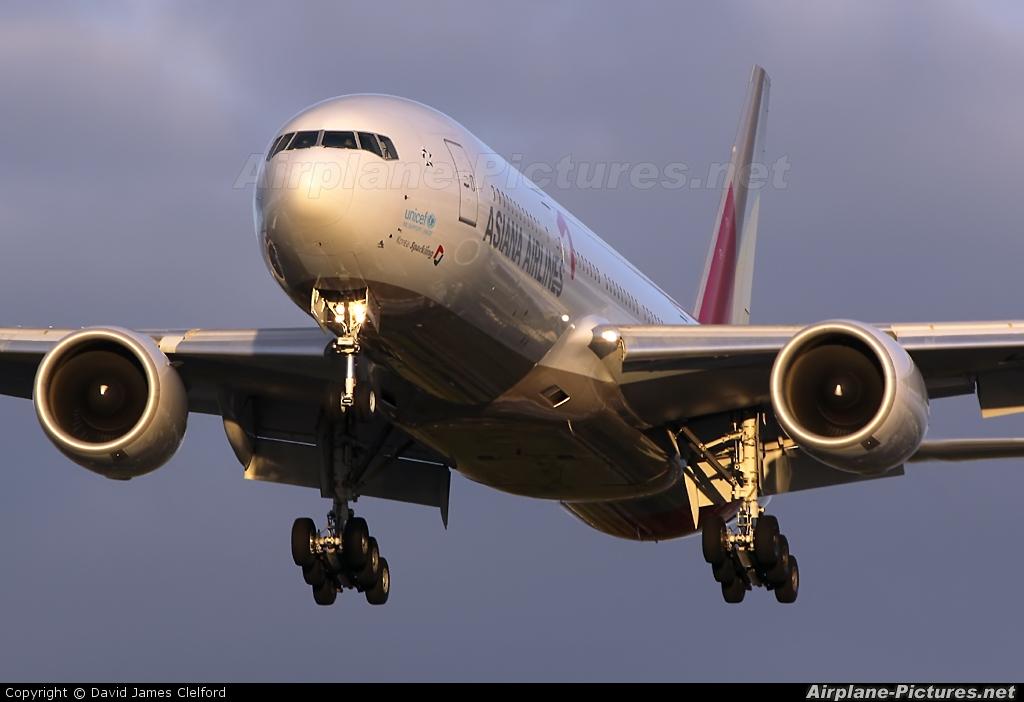 Asiana Airlines HL7756 aircraft at London - Heathrow