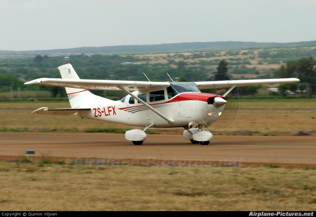 Private ZS-LFX aircraft at Potchefstroom
