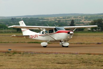 ZS-LFX - Private Cessna 206 Stationair (all models)