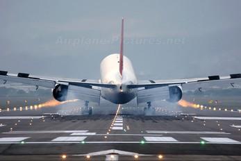 JA8982 - JAL - Japan Airlines Boeing 777-200