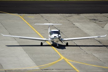 YR-RAE - Regional Air Services Diamond DA 40 Diamond Star