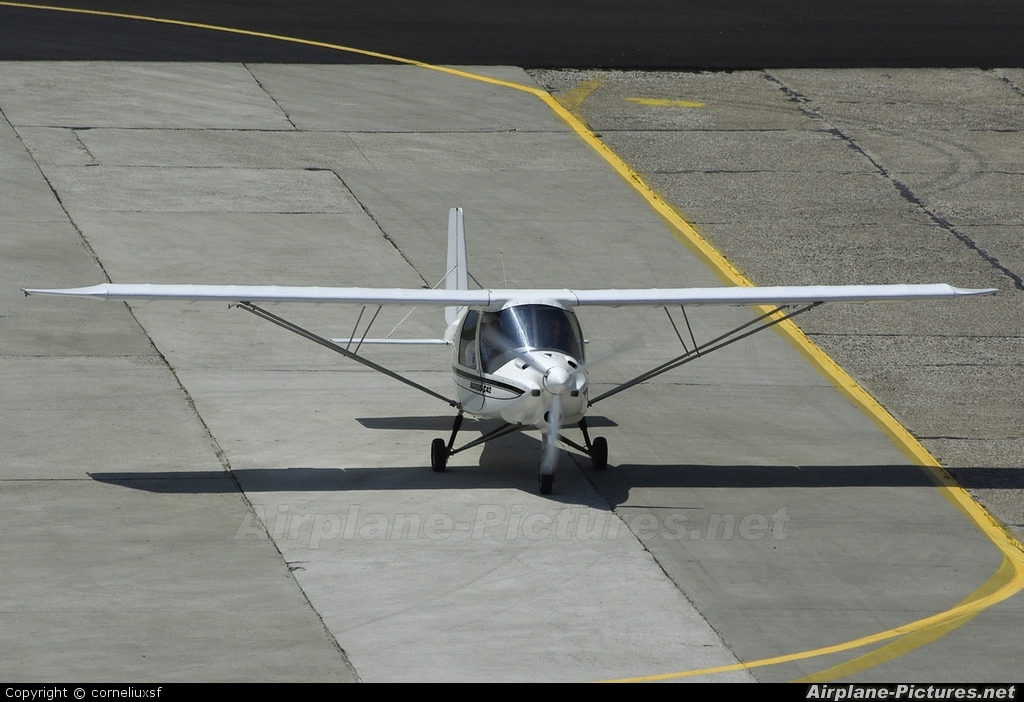 Romanian Airclub YR-5209 aircraft at Bacau