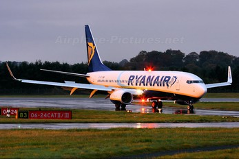 EI-EFI - Ryanair Boeing 737-800