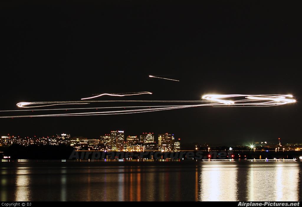 - Airport Overview - aircraft at Washington - Ronald Reagan National