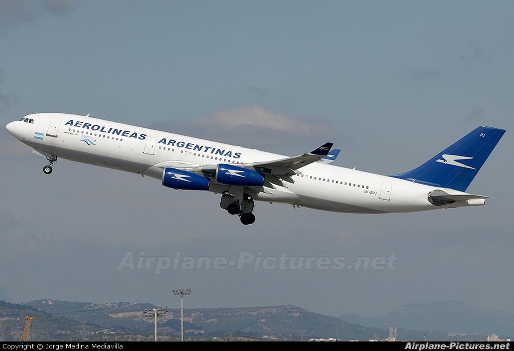 Aerolineas Argentinas LV-ZPJ aircraft at Barcelona - El Prat