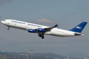 LV-ZPJ - Aerolineas Argentinas Airbus A340-200