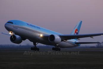 HL7715 - Korean Air Boeing 777-200ER