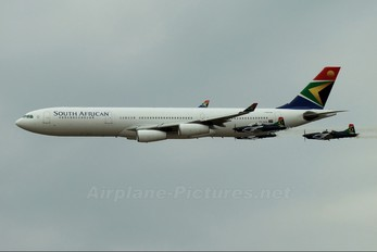 ZS-SXA - South African Airways Airbus A340-300