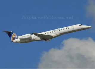 N14916 - Continental Express Embraer ERJ-145
