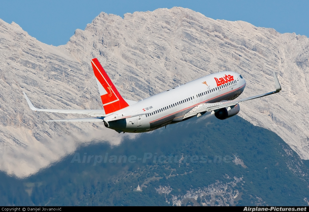 Lauda Air OE-LNR aircraft at Innsbruck