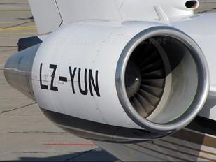 LZ-YUN - Air Lazur Canadair CL-600 Challenger 604